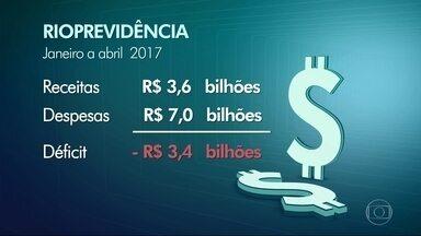 Déficit do Rioprevidência chega a R$3,4 bilhões - O déficit da previdência dos servidores do Estado do RJ chegou a R$3,4 bilhões nos primeiros quatro meses de 2017.
