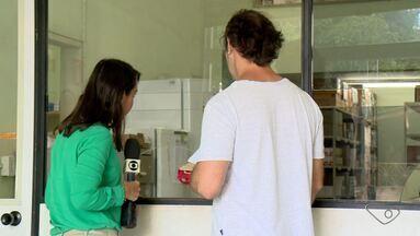 Paciente espera por remédio controlado em Linhares, no Norte do ES - Mesmo após procurar a direção da farmácia, ele não conseguiu o medicamento.