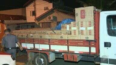 Carga de cigarros contrabandeados é apreendida em Cosmópolis - 85 mil maços de cigarro contrabandeados do Paraguai foram apreendidos. Cinco pessoas foram presas.