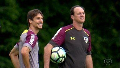 Rodrigo Caio quer manter alto nível no São Paulo para acertar com time de ponta da Europa - Rodrigo Caio quer manter alto nível no São Paulo para acertar com time de ponta da Europa