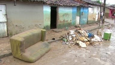 Em Gameleira, 500 pessoas estão em abrigos e comunidades estão isoladas - Moradores da cidade da Zona da Mata Sul sofrem muito com as chuvas dos últimos dias.