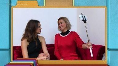 Bruna Marquezine revela que mantém bom relacionamento com os ex-namorados - Assista à segunda parte da conversa da atriz com Mônica Salgado