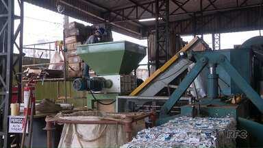 Mutirão de combate ao contrabando destrói cigarros, bebidas e produtos eletrônicos - Ação está sendo realizada em Foz do Iguaçu.