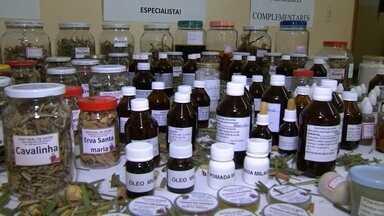 Remédios caseiros - Em São João das Duas Pontes, voluntáriasproduzem remédios naturais para a população.