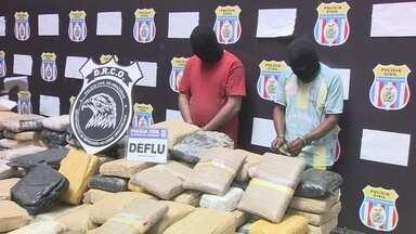 Policiais civis e federais trocam tiros por engano durante apreensão de drogas, em Manaus - Dois homens foram presos e meia tonelada de droga foi apreendida.