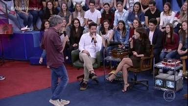 Debora Falabella e Murilo Benicio dizem que não trocam mais presentes no dia dos namorados - Os dois revelam que preferem trocar presentes no dia a dia sem a obrigação de datas pré-determinadas