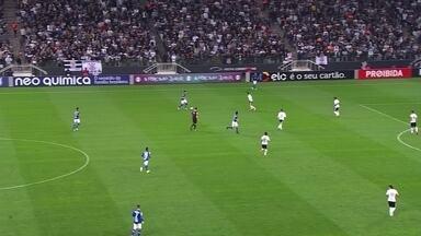 Melhores momentos de Corinthians 1 x 0 Cruzeiro pela 7ª rodada do Campeonato Brasileiro - O zagueiro Balbuena, de cabeça, marcou o único gol da partida.