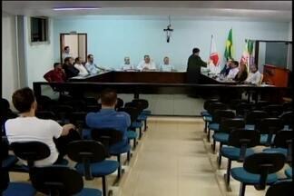 Vereadores votam pela cassação de parlamentar investigado por pedofilia Carmo do Cajuru - Suplente tomará posse no lugar de Carlos Anderson da Silva, que está preso. Decisão foi unânime. Advogado do vereador não comentou sobre o processo.
