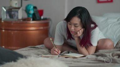Tina escreve uma música para Anderson - Lica apressa a amiga para irem ao galpão