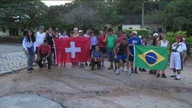 Descendentes de suíços fazem a 'Caminhada do Imigrante' em Rio Novo do Sul, ES - Imigrantes chegaram ao ES há 161 anos.