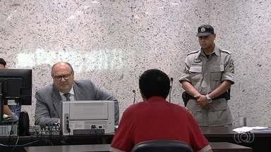 No 1º feriado com audiências de custódia, juiz analisa 11 casos e mantém 8 presos - Sessões também começaram a ser realizadas em finais de semanas e recessos por decisão do STF, que acatou pedido da Defensoria Pública de Goiás.