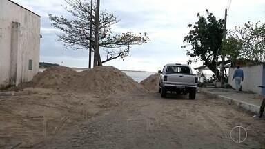 Muro de sacos areia será montado para conter avanço do mar em Atafona, no RJ - Contenção será construída na Rua Minervisa da Silva Pereira, no Pontal.