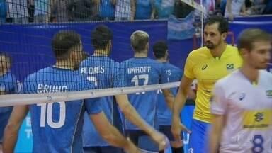 Brasil perde pela terceira vez na Liga Mundial de Vôlei Masculino - Argentina venceu o Brasil por 3 sets a 1. Foi a primeira vez na história da Liga Mundial de Vôlei que o Brasil perdeu para a Argentina. A Seleção Brasileira segue em terceiro lugar na competição.