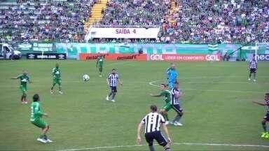 Melhores momentos de Chapecoense 0 x 2 Botafogo pela 8ª rodada do Campeonato Brasileiro - Melhores momentos de Chapecoense 0 x 2 Botafogo pela 8ª rodada do Campeonato Brasileiro