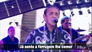 Zé Ramalho canta 'Admirável Gado Novo' - Cantor empolga a plateia do Domingão e conta como fez algumas de suas músicas