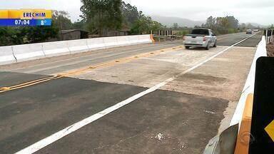 Nova ponte na RSC-287 é entregue em Candelária - Estrutura antiga apresentou problemas, trecho foi bloqueado por quase um mês e uma travessia provisória foi erguida no local pelo Exército.