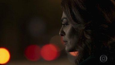 Bibi vaga pelas ruas após cometer crime - Esposa de Rubinho se livrou de provas contra o marido