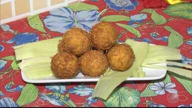 Receita junina: aprenda a fazer bolinho de milho com recheio de catupiry - A receita é rápida e prática; confira.