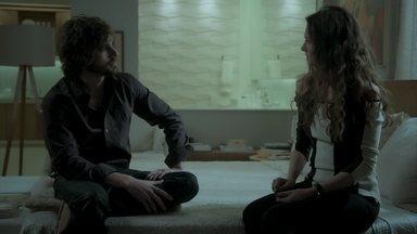 Ruy diz que Joyce deve ser firme com Eugênio - Ele dá conselhos para a mãe