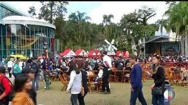 Confira o 2º dia da Bauernfest em Petrópolis, no RJ - Assista a seguir.