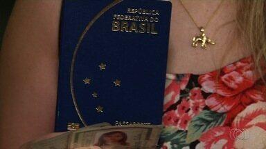 PF suspende emissão de passaportes para todo o Brasil - Cidadãos que precisam do documento foram informados de que não há prazo para conseguirem.