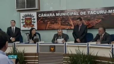 Novo prefeito e vice de Tacuru, MS, toma posse - Eles venceram eleição suplementar realizada no dia 4 deste mês. A cidade estava sendo comandada pelo presidente da Câmara.