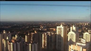 Veja como fica o tempo em Goiás nesta quinta-feira (29) - Previsão é de temperaturas mais amenas e umidade do ar baixa em todo o estado.
