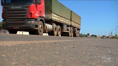 Produtores do Sul do MA sofrem com falta de veículos para transportar produção - Produtores do Sul do MA sofrem com falta de veículos para transportar produção