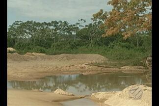 Prefeitura e órgãos ambientais apontam áreas de preservação ocupadas irregularmente no PA - O desmatamento, a ocupação desordenada e a retirada descontrolada de areia estão prejudicando o rio Itacaiúnas, em Marabá, no sudeste do estado.