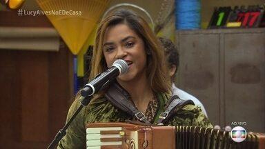 """Lucy Alves abre o programa ao som de """"Paraíba Masculina"""" - A cantora e atriz abre o 'É de Casa' desse sábado"""