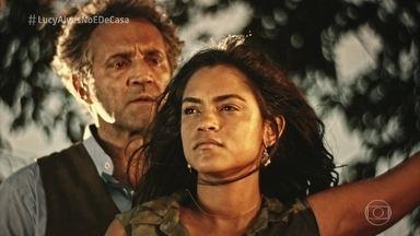 Lucy Alves relembra momentos da carreira e canta 'Beija-flor' - A cantora e atriz lembrou da parceria com Domingos Montagner em 'Velho Chico'