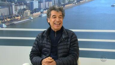 Paulo Betti apresenta a peça 'Autobiografia Autorizada' em Porto Alegre - Assista ao vídeo.