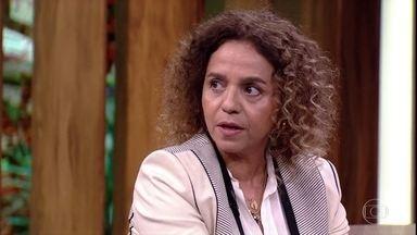 Beatriz Milhazes explica que a arte é uma manifestação humana - A artista plástica conta que a arte é aquilo que você está disposto a se desenvolver
