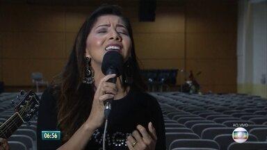 Com mais de 20 anos de carreira, cantora gospel Jozyanne faz show no Recife - Repertório da cantora inclui músicas que falam de fé, amor e esperança.