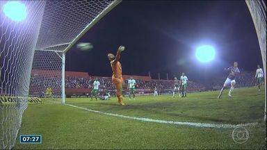 Fluminense enfreta o Chapecoense; confira como foi a partida - Jogo foi movimentado.