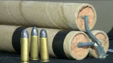 Polícias Civil e MIlitar apreendem material explosivo em Linhares, ES - Apreensão aconteceu no bairro Aviso.