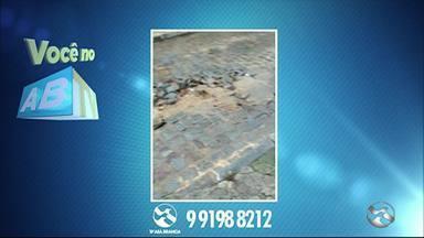'Você no ABTV' mostra vazamento de água e escuridão em Caruaru - Casos ocorrem na Vila Teimosa e próximo da Rodoviária.