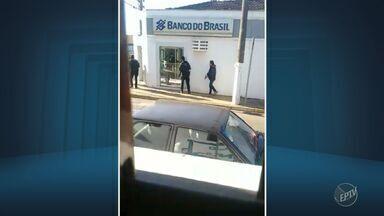 Polícia consegue prender grupo que assaltava banco em Ipeúna - Polícia Civil armou um esquema para conseguir flagrar a quadrilha durante roubo.