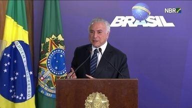 Governistas ensaiam debandada e Rodrigo Maia ganha força para suceder Michel Temer - Discussões começaram entre os aliados do próprio governo.