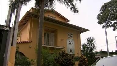 Casa Guilherme de Almeida é o museu do poeta da Revolução Constitucionalista - A casa aconchegante, que fica no Pacaembu, era o lar do poeta e reúne relíquias da história da revolução.