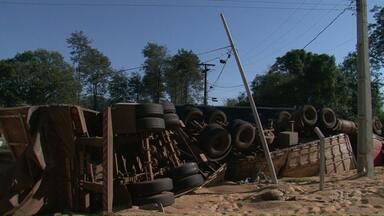 Três acidentes de trânsito marcam o início da manhã na região de Beltrão - Cinco pessoas ficaram feridas.