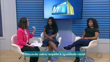 Menina sai da escola depois de ser vítima de racismo por ter cabelo crespo - Menina sai da escola depois de ser vítima de racismo por ter cabelo crespo.