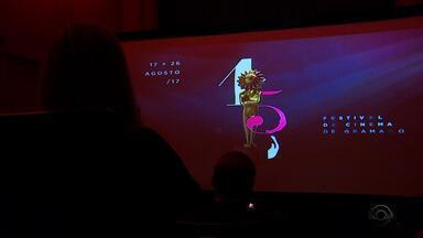 Filmes que irão competir no 45º Festival de Cinema de Gramado são anunciados - Organização também confirmou homenagens a Antônio Pitanga e Dira Paes.