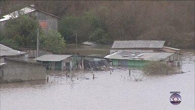 Caixa Econômica vai liberar FGTS para famílias atingidas por enchente em Lages - Caixa Econômica vai liberar FGTS para famílias atingidas por enchente em Lages