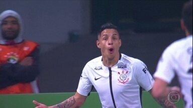 Veja a reportagem completa da vitória do Corinthians sobre o Palmeiras por 2 a 0 - Veja a reportagem completa da vitória do Corinthians sobre o Palmeiras por 2 a 0