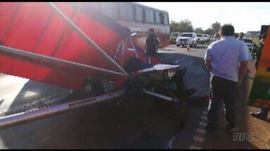 Piloto de ultraleve fica ferido depois de acidente inusitado - O acidente foi no Paraguai.