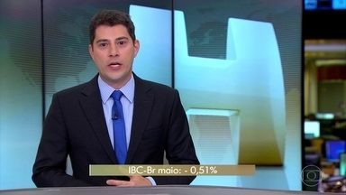 Economia brasileira registra a maior queda desde agosto do ano passado - Economia encolheu 0,51% em maio, de acordo com o IBC-BR, o índice de atividade econômica do Banco Central.