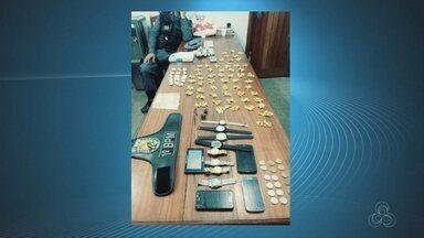 Polícia encontra mais de 2 quilos de drogas escondidos na casa de um homem em Macapá - O suspeito chegou a construir uma parede falsa para esconder os produtos.