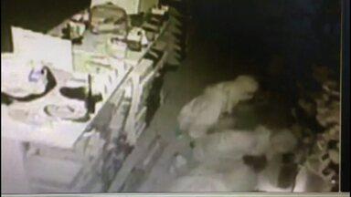 Número de furtos a comércios assusta empresários em Cascavel - Segundo a associação comercial, cerca de 10 crimes são registrados por dia na cidade.