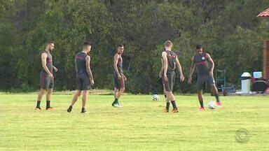 Inter enfrenta o CRB neste sábado (15) - Jogo começa às 16h30.